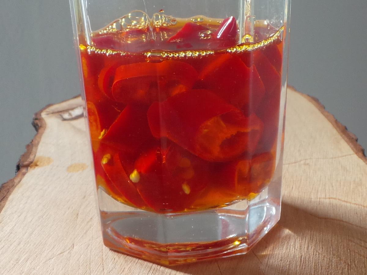 Bild Chili Öl mit Peperoni