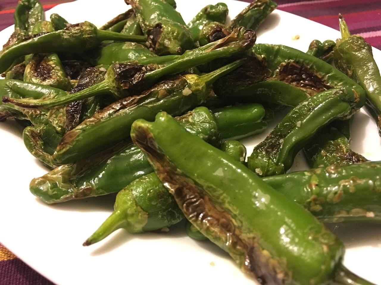 Bild gegrillte Chilis